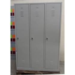 Armoire - vestiaire métallique monobloc 3 portes  180 x 119  cm NEUF déclassé
