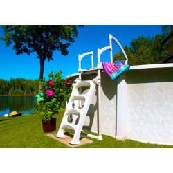 Echelle externe pour piscine Biltmor - NEUVE DECLASSEE