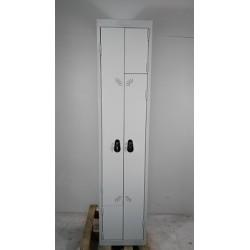 Armoire vestiaire 2 portes haut.80 prof. 48 larg. 40 2 étagères